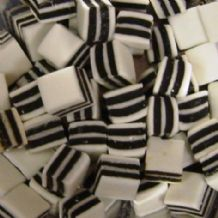 Black & White Liquorice Mints 100g